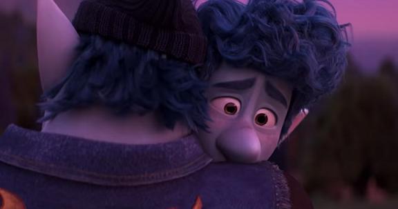 pixar-onward-ian-lightfoot-hug.png