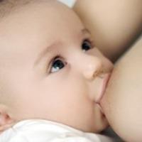 Az anyatej és a szoptatás előnyei