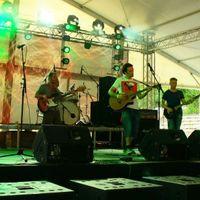 Egy szál gitárral Nirvanát énekelni - Bemutatkozik a Tea Road