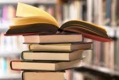 könyvek egymáson.jpg