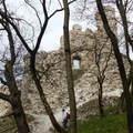 Borongós tavaszi körtúra Várgesztesről Vitányvárhoz
