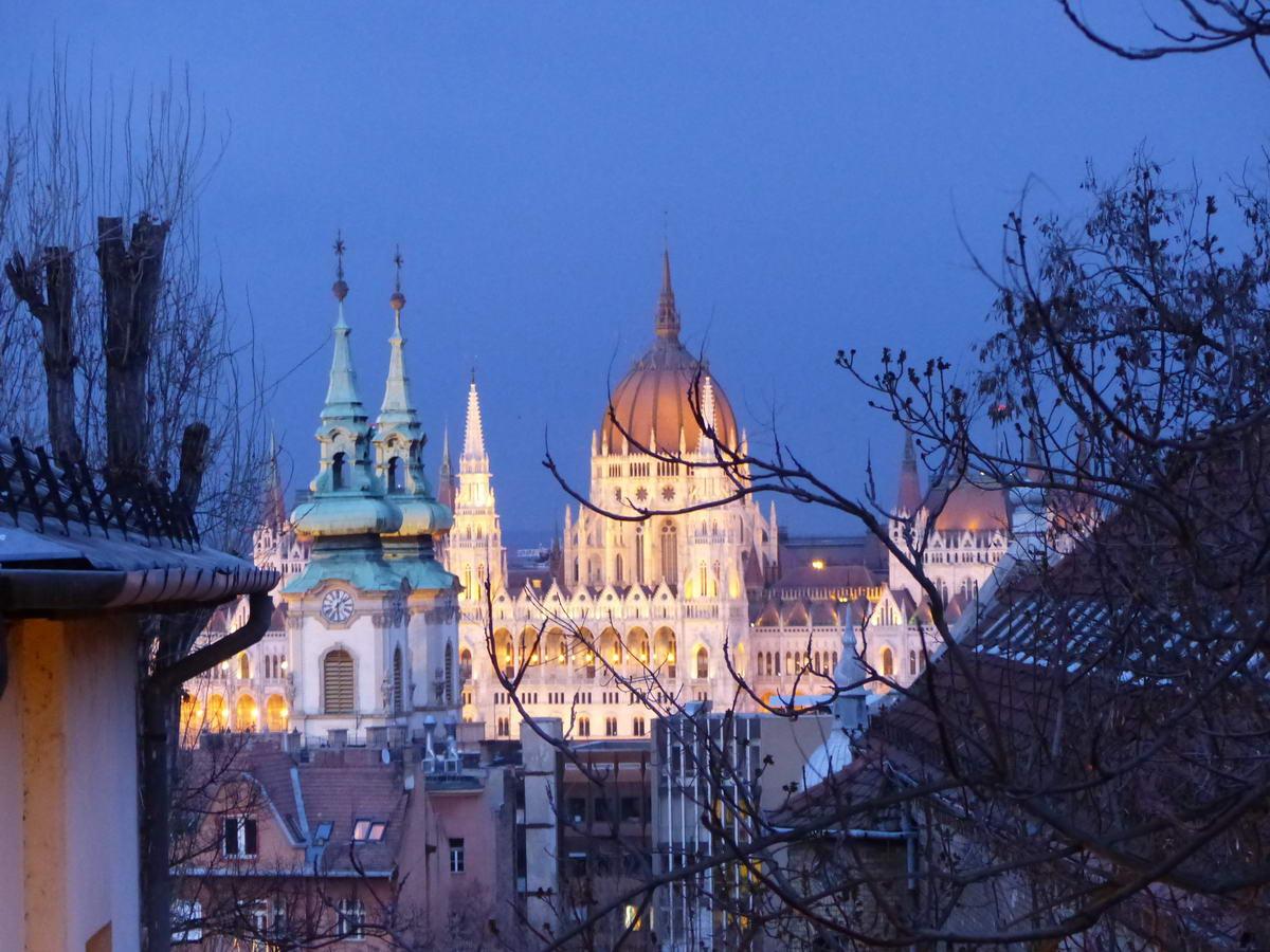 A fényképezőgép képe a Parlamentről