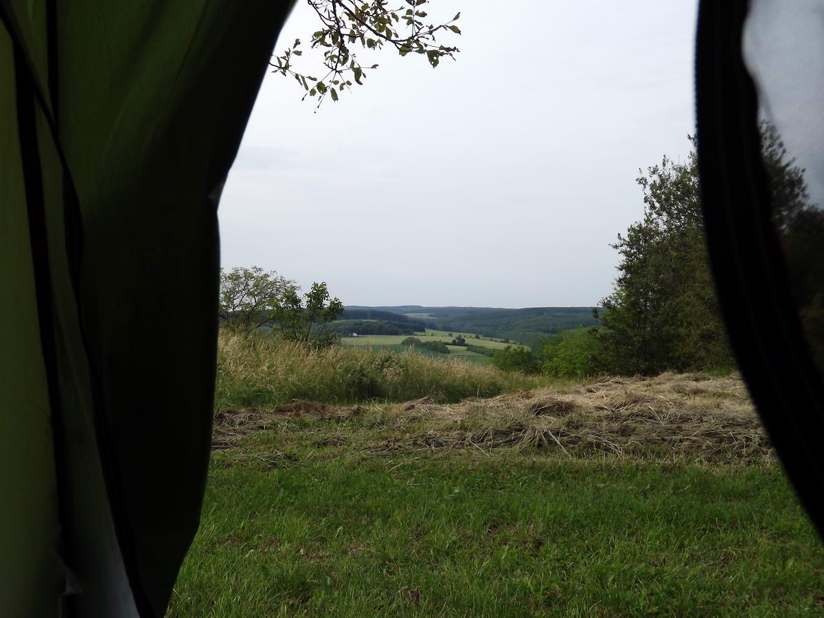 Sátorhely kilátással a zalai dombok között