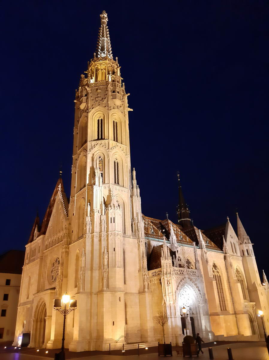 A Mátyás templom a mobillal
