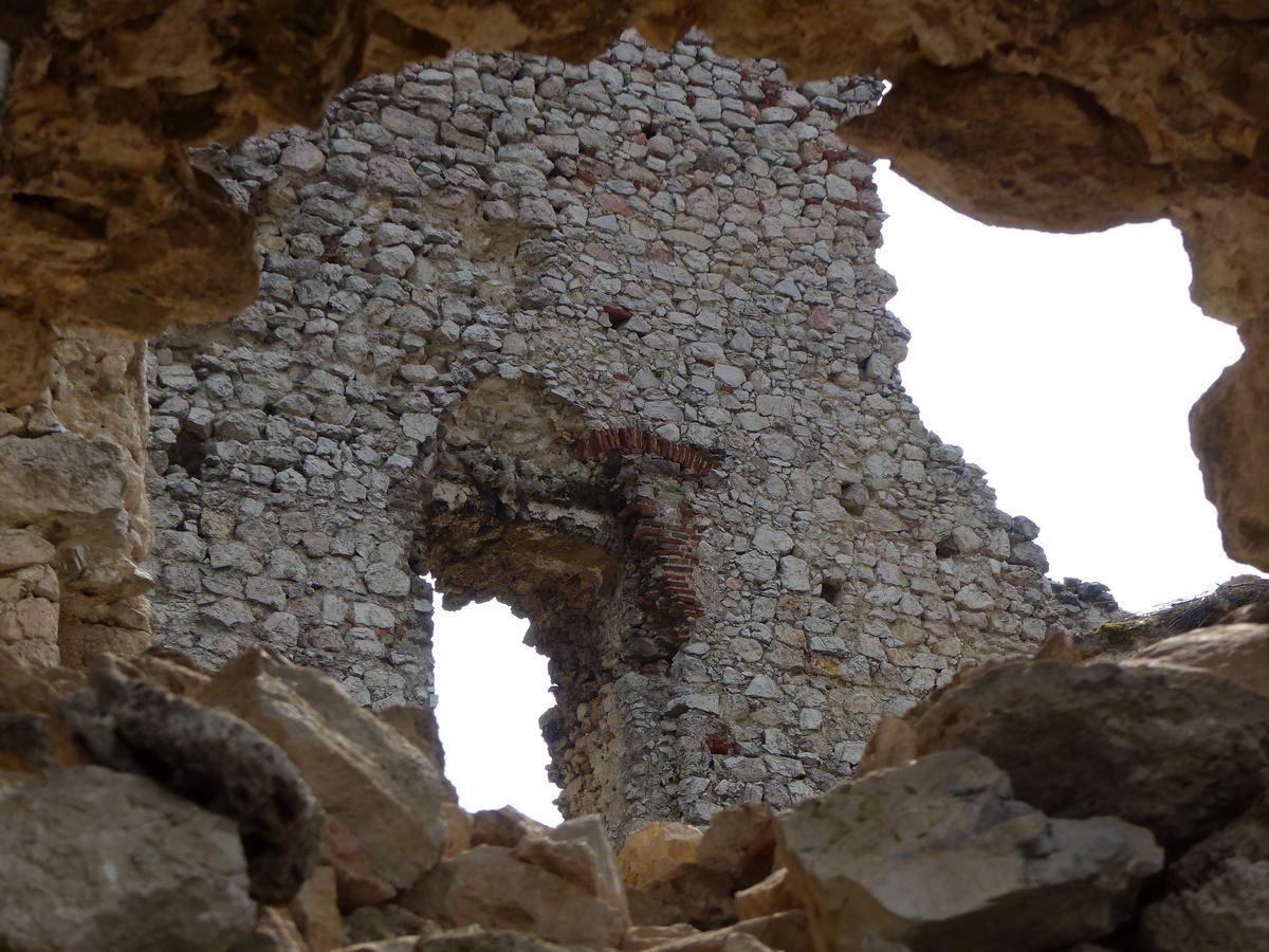 Romos várfalak között 1.