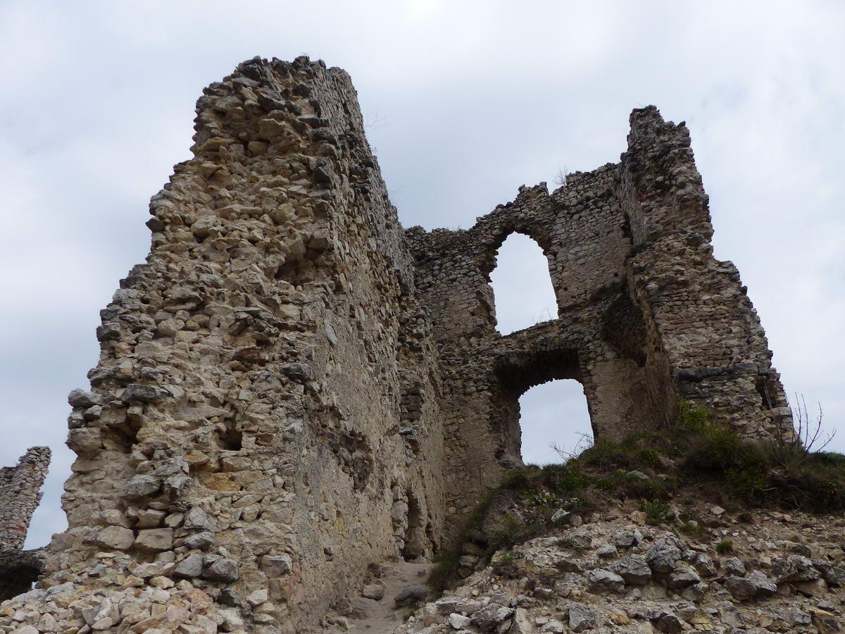 Romos várfalak között 2.