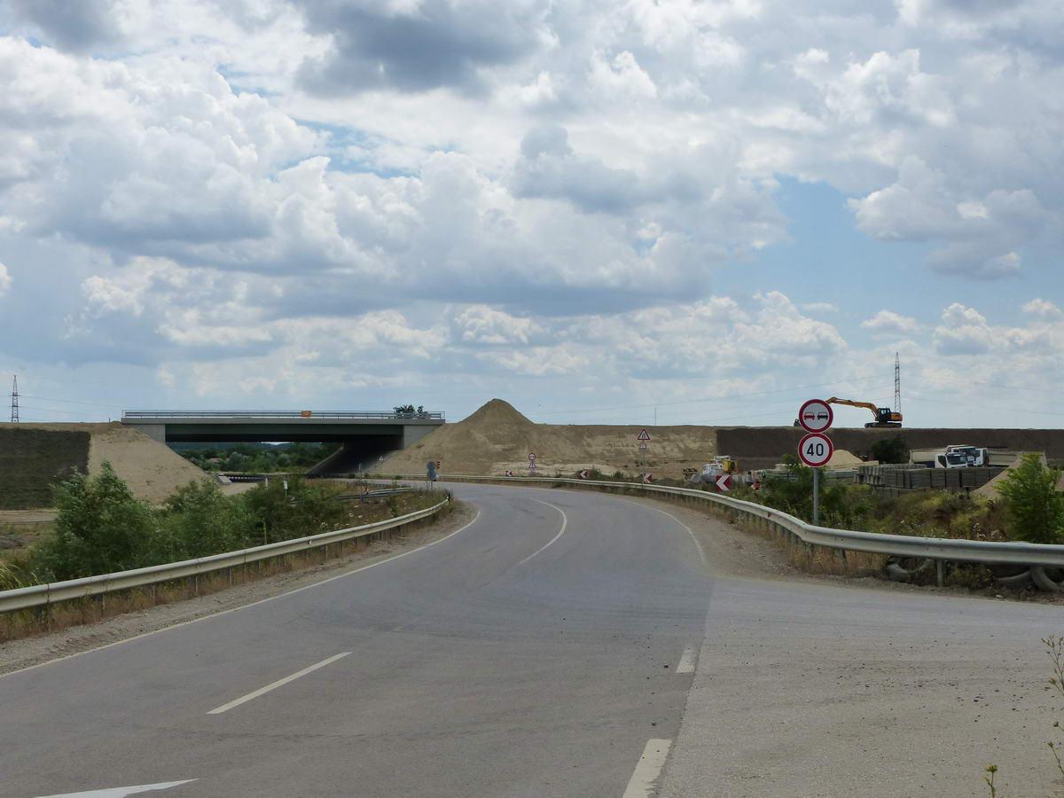 Építik az M4-es autópályát Szolnok határában