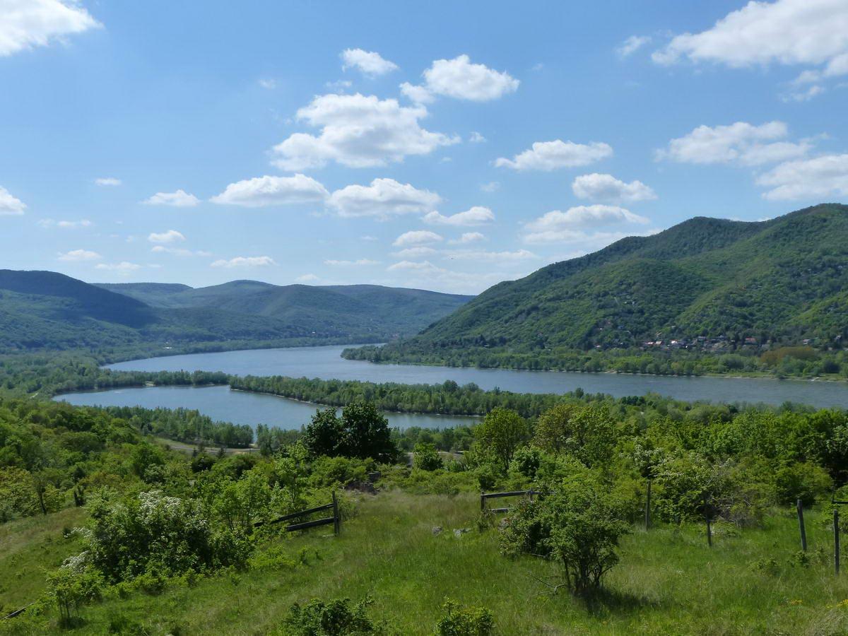Szép a rálátás a Dunakanyarra a Visegrád feletti kilátópontról