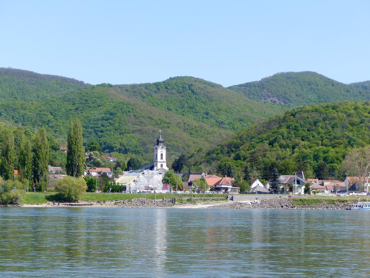 Visszatekintés Nagymarosról Visegrádra
