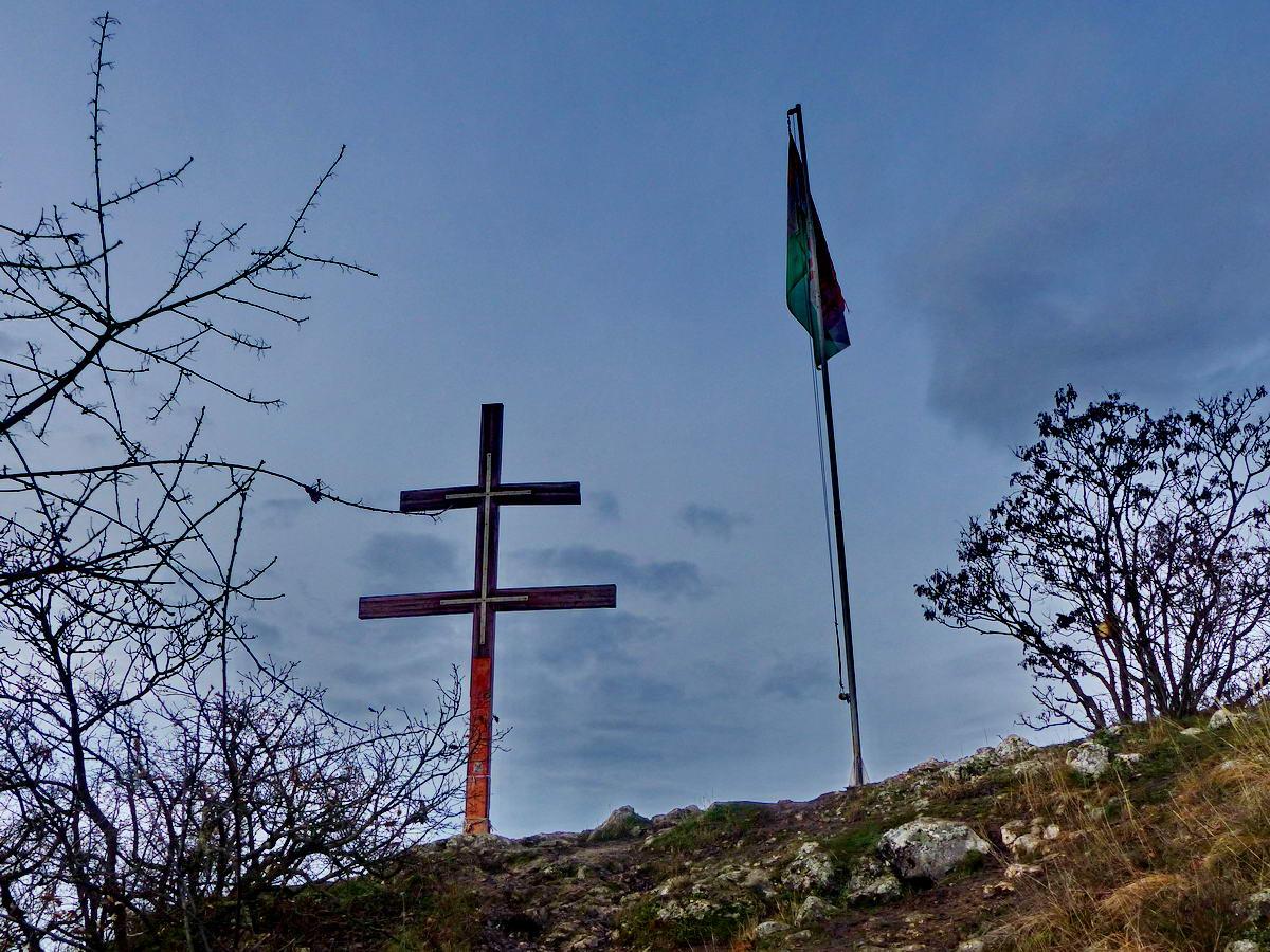 Felérkeztem az Oszoly sziklás tetejére