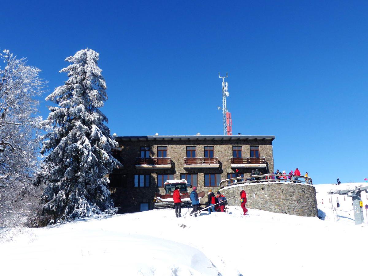 Megérkeztem a Nagy-Hideg-hegy csúcsa alatt álló turistaházhoz