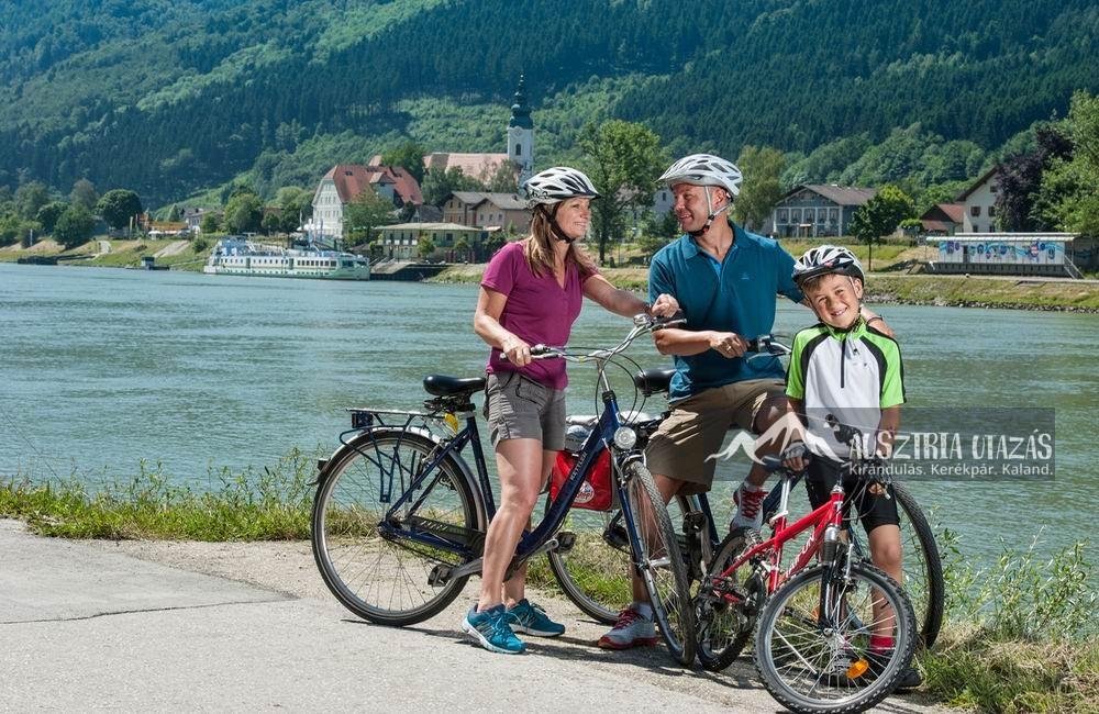 [06] Egy reklámkép a csodás osztrák Donau Radweg-ről (Duna Kerékpárút)