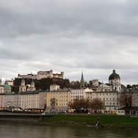 Salzburg - Mozarton innen, Mozartkugelen túl