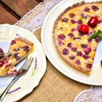 Cseresznyés tejpite, vagyis clafoutis linzer ágyon