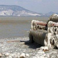 Jégbe fagyott, földöntúli táj lett a Balaton