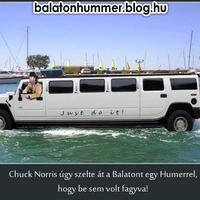 Chuck Norris úgy szelte át a Balatont egy Humerrel, hogy be sem volt fagyva