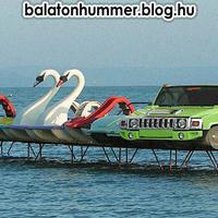 Hummer vizibicikli a Balatonon