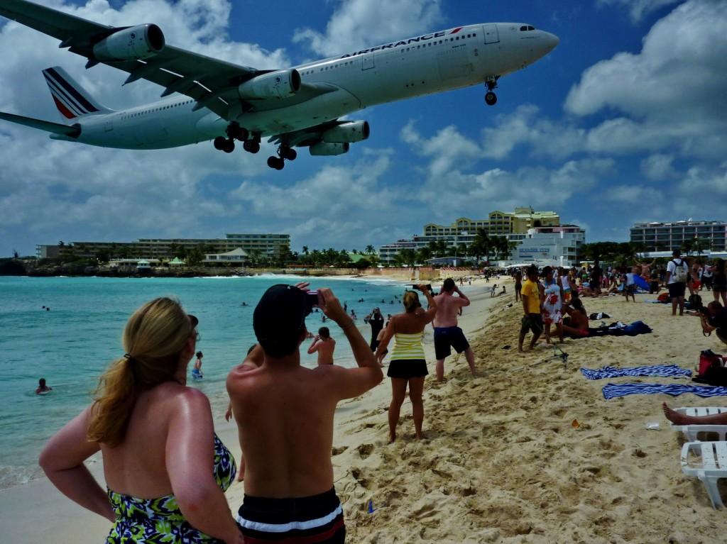 Ki akar repülőt simogatni? - VIDEO