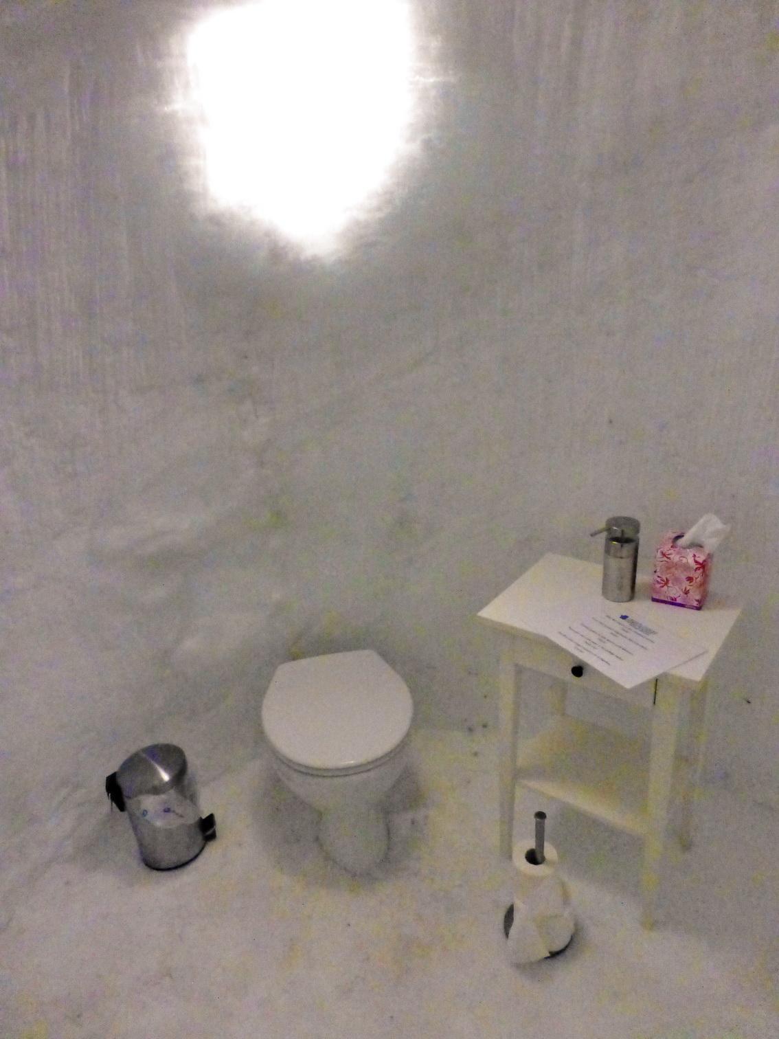 Angol wc pottyantós stílusban