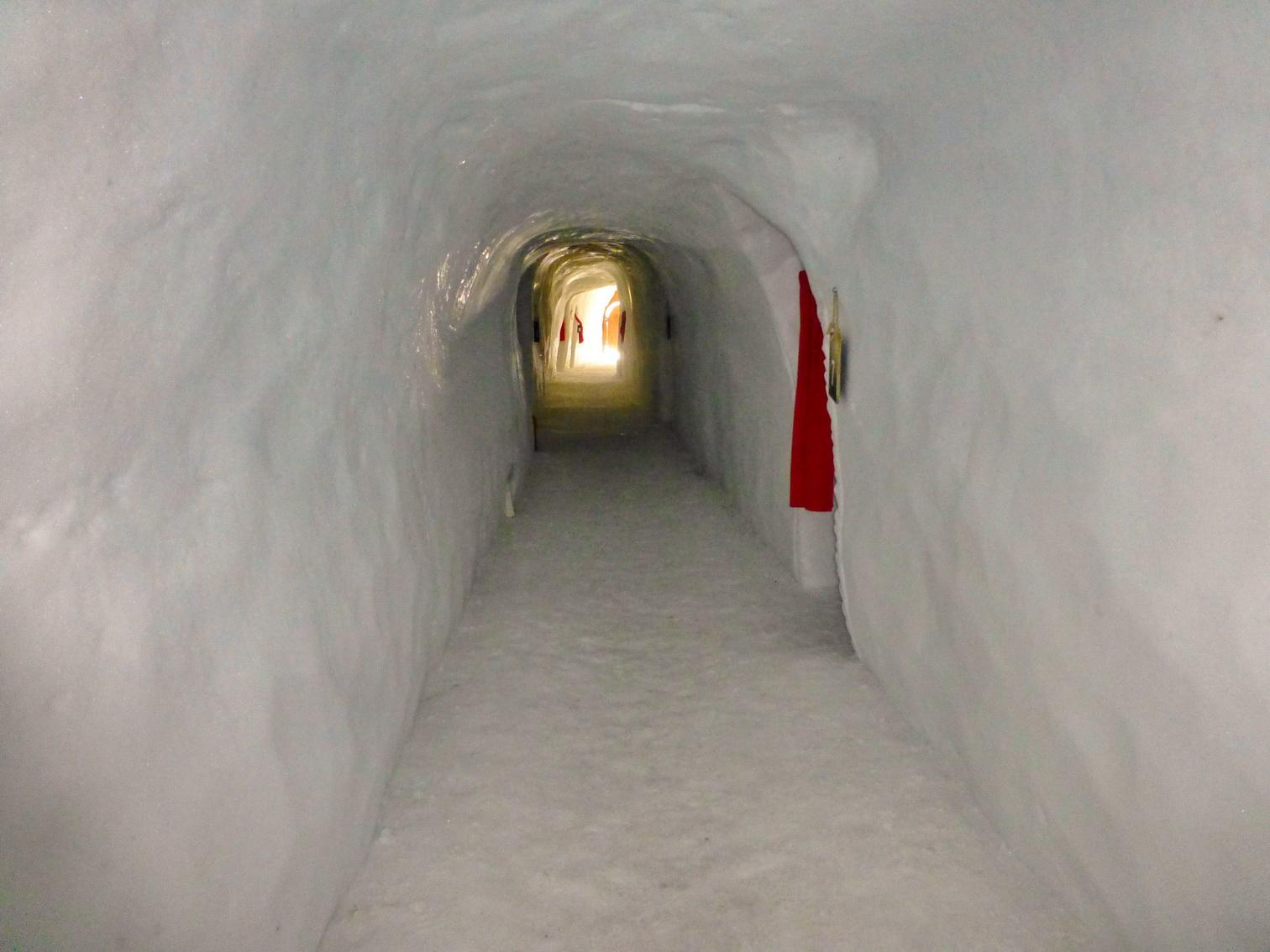 A folyosók egyike