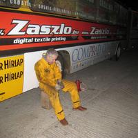 A hetes busz legrugoja