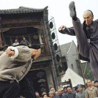 Jet Li és Shido Nakamura a Fearless c. akciómoziban teáznak
