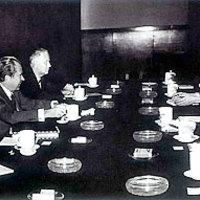 100 milliós biztosítás 6 legendás teafára Kínában