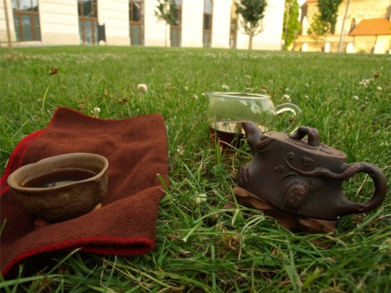 outdoortea10.jpg