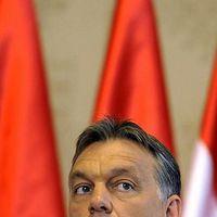 Orbán Viktor be van sz@rva kétezer embertől!