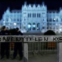 Üzenet az ellenzéki pártoknak: bontsátok már le azt a kib@szott kordont!