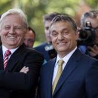 Orbán Viktor a fővárost akarja hülyének nézni. Az országgal is ezt teszi.