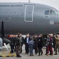 Amikor Orbán Viktor hülyének néz ha repülni támad kedve.