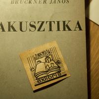 Ex libris ágytállal