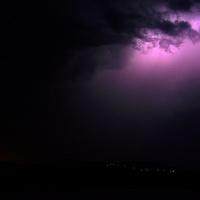 A vihar Visegrád mögül érkezik