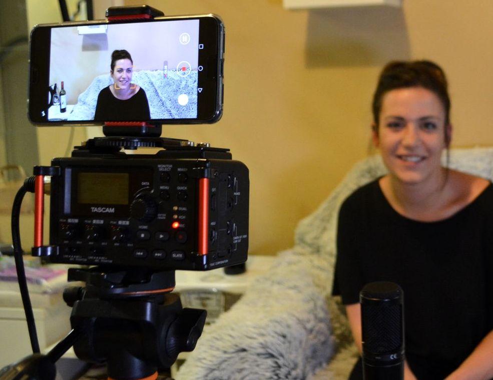A videók általában Barbinál készülnek, a technika nehezen állt össze, sokat próbálkoztunk.