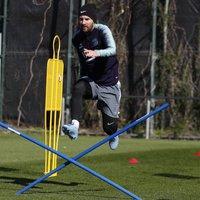 Messi teljesen, Umtiti részben edzett a csapattal