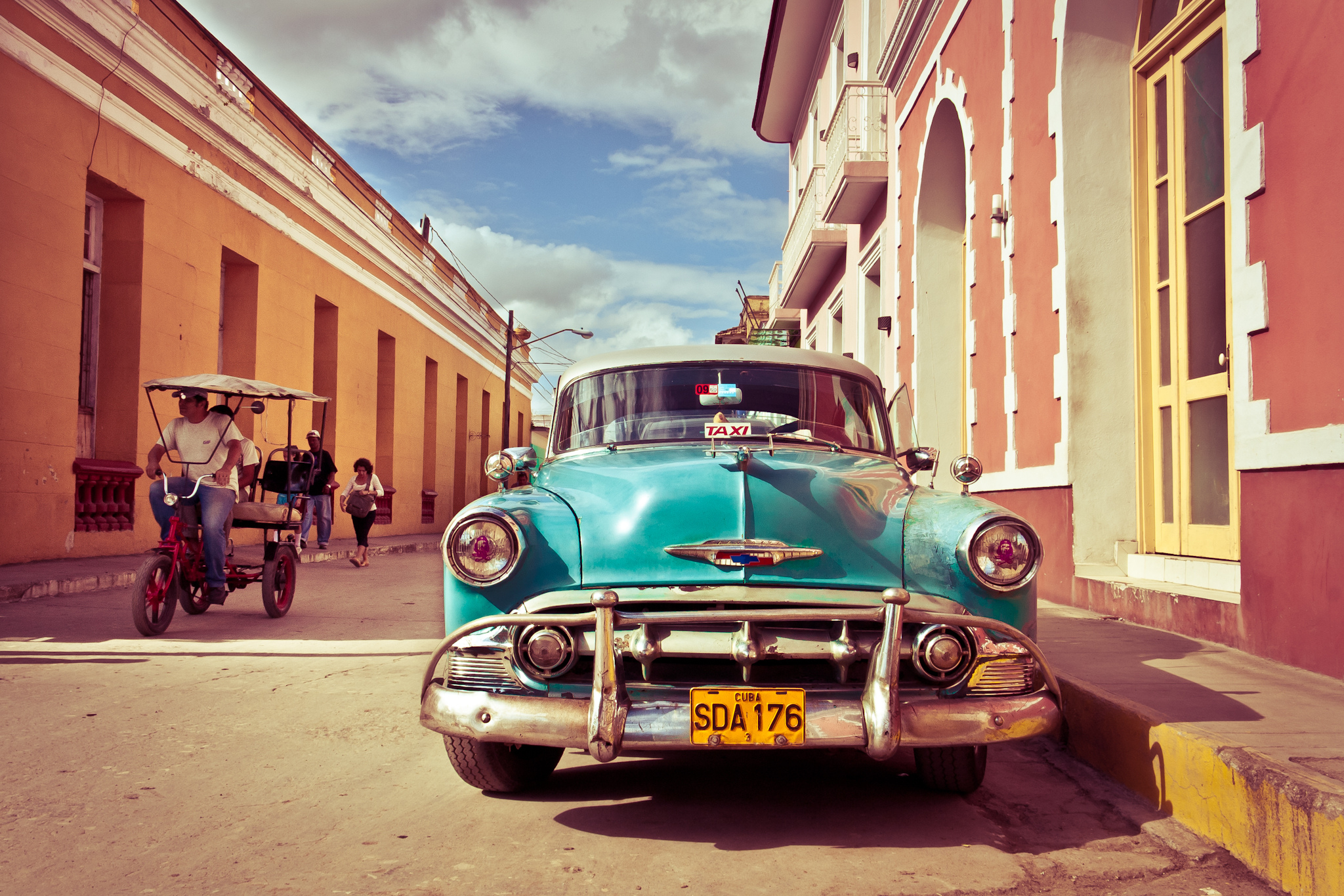 classic-cuban-scene_-image-by-jaume-escofet-cc-by-2_0.jpg
