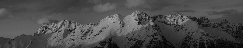 black_n_white_panorama_in_mount_canin.jpg
