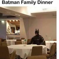 Vasárnapi családi ebéd Batman-nél :(