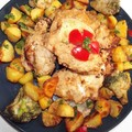 Csirkedarabok könnyü, finom bundában, brokkolival és petrezselymes újburgonyával.