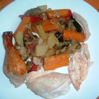 Színes sült zöldségek csirkével