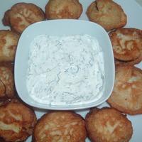 Cukkini fokhagymás-tejfölös bundában
