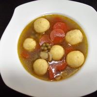 Finom gombócokkal készült zöldségleves bátor nyúl konyhájából.