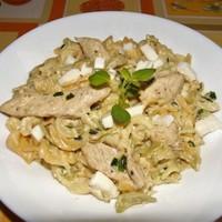 Csirkés-mozzarellás tésztasaláta (bátor nyúl recept).