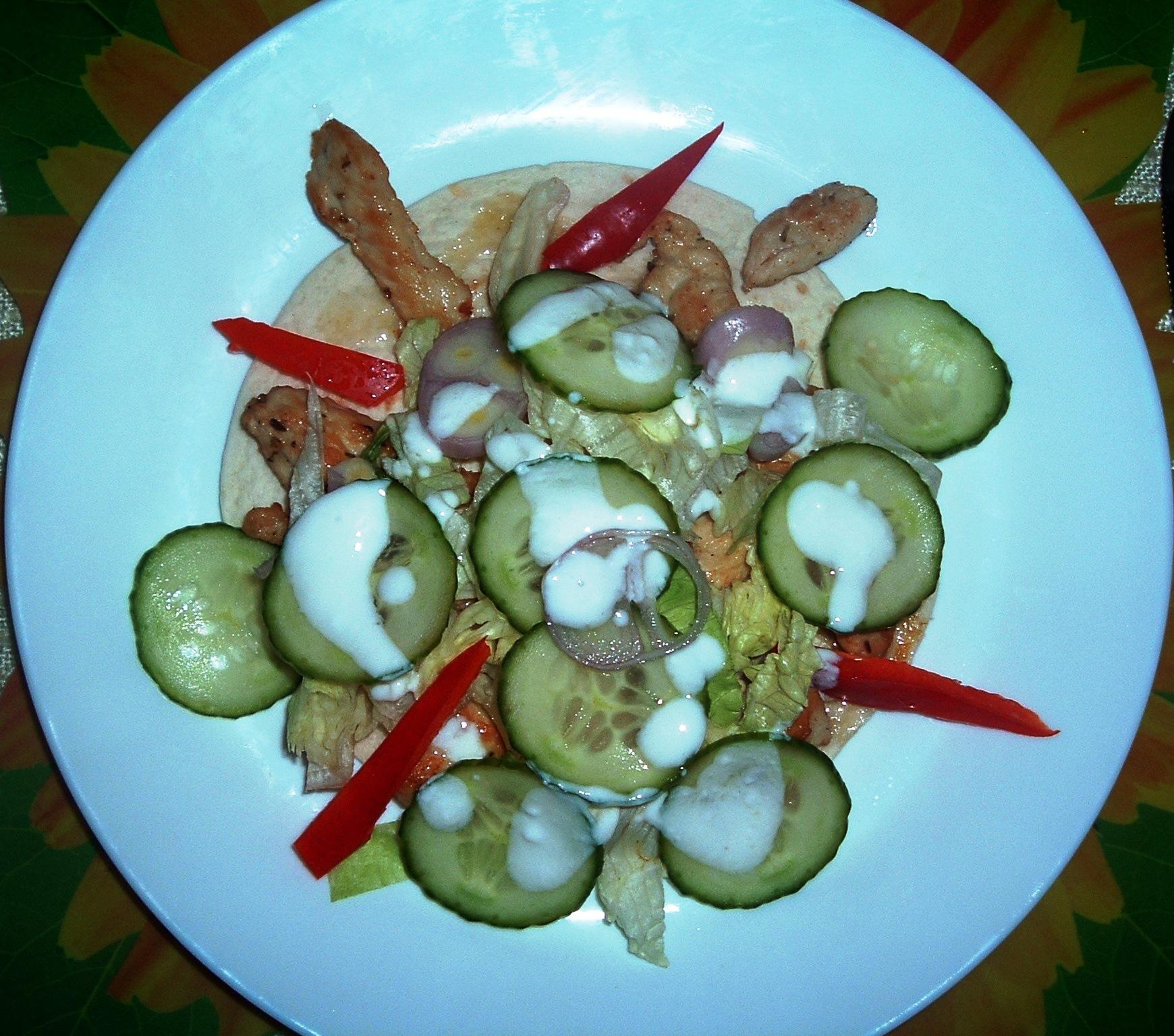 csirkemell_salataval_tacos.JPG