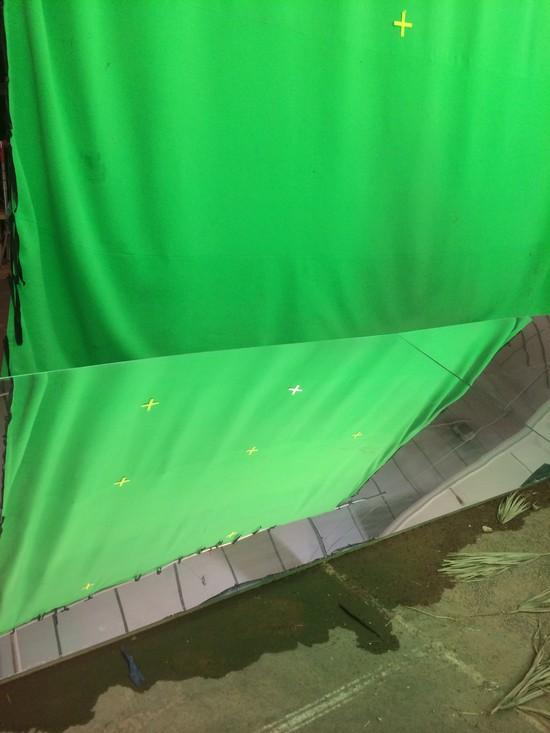 Idén is a zöld szín dominál a stúdióban. Egyetlen angol produkció sem használ annyi zöldhátteret, mint az Atlantis. (fotó: Ed Moore)