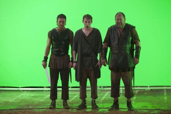 Jack, Robert és Mark a zöldháttér előtt