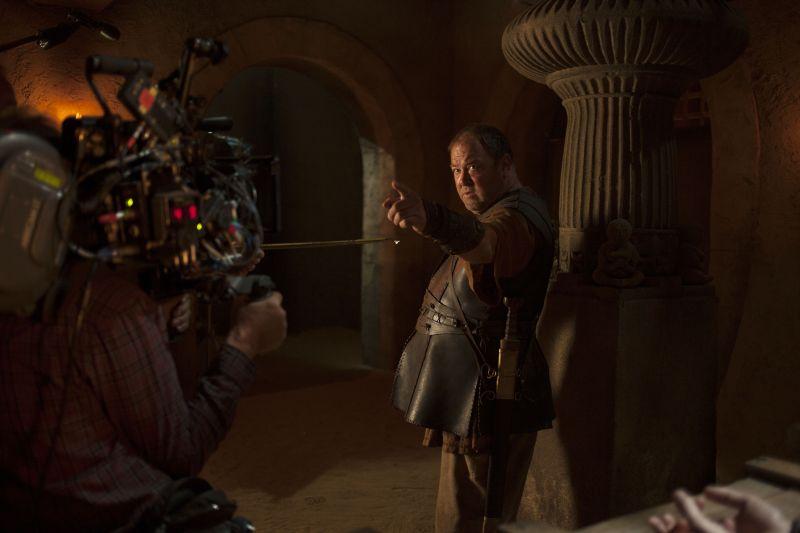 Herkules (Mark Addy) néz farkasszemet a kamerával.
