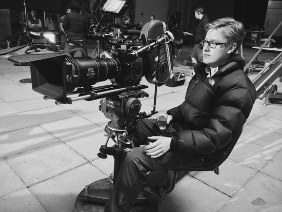 A kameránál Ed Moore, a második stáb operatőre