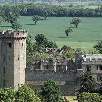 Warwick Castle: Merlin várat kap